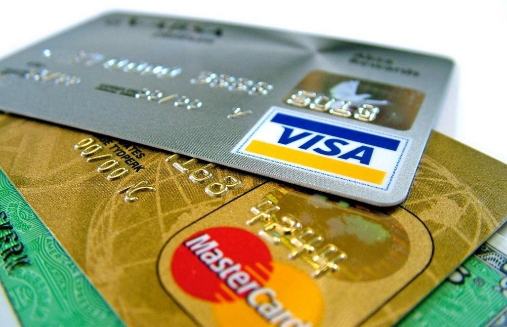 Como utilizar o cartão de débito e crédito corretamente?